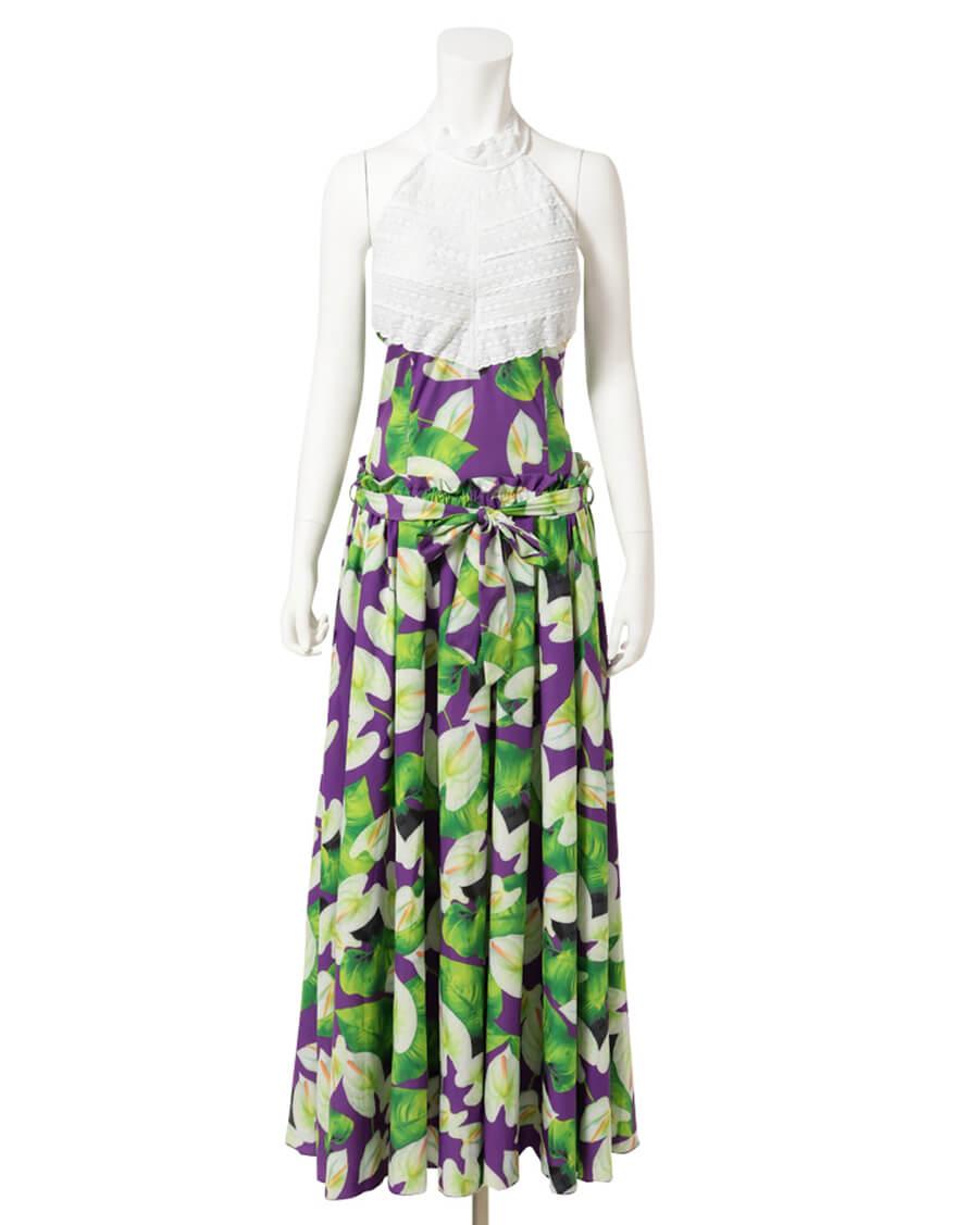 【ドレス,シャイニー生地ドレス】アメリカンスリーブトップス+フレアスカート(アンスリウム) ホワイト