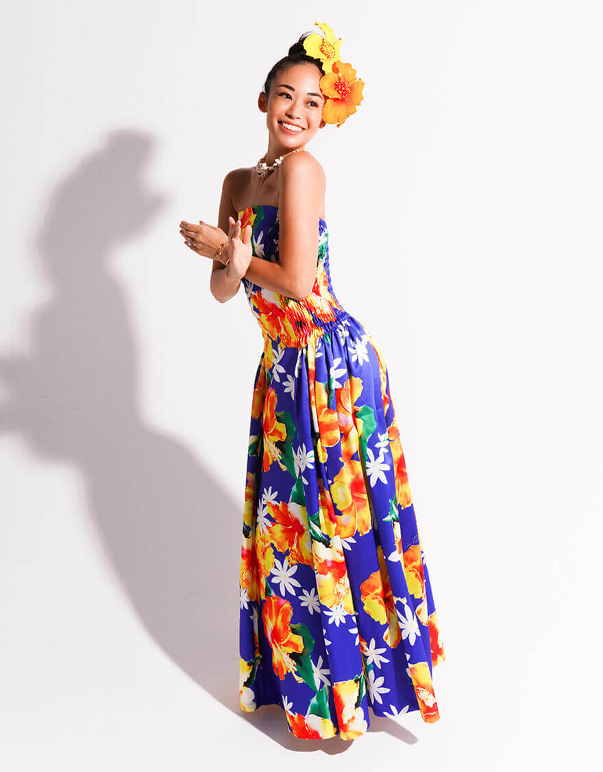 【ドレス,シャイニー生地ドレス】ベアトップシャーリングドレス(スパークルハイビスカス)ブルー